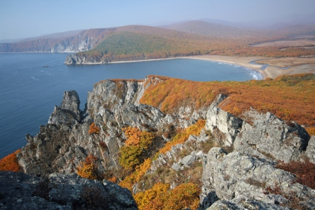 The cliffs above Khuntami Beach in the Sikhote-Alin Biosphere Reserve, Primorye, Russia. Photograph © Jonathan C. Slaght